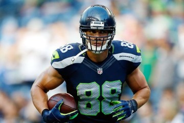 SEATTLE, WA - OCTOBER 05: Jimmy Graham #88 of the Seattle Seahawks warms up prior to the game against the Detroit Lions at CenturyLink Field on October 5, 2015 in Seattle, Washington. (Photo by Otto Greule Jr/Getty Images)
