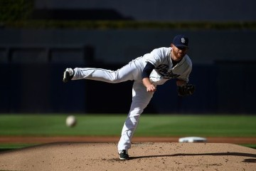 SAN DIEGO, CA - OCTOBER 1: Ian Kennedy #22 of the San Diego Padres pitches during a baseball game against the Milwaukee Brewers at Petco Park October 1, 2015 in San Diego, California. (Photo by Denis Poroy/Getty Images)
