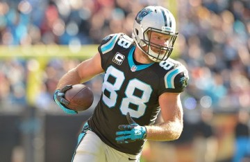 CHARLOTTE, NC - NOVEMBER 22: Greg Olsen #88 of the Carolina Panthers makes a catch against the Washington Redskins during their game at Bank of America Stadium on November 22, 2015 in Charlotte, North Carolina. The Panthers won 44-16. (Photo by Grant Halverson/Getty Images)